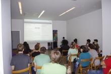 Sudionici Hackathona slušaju prezentaciju projekta